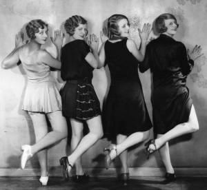 Mode : la minijupe ou l'histoire d'une arrogante très sexy