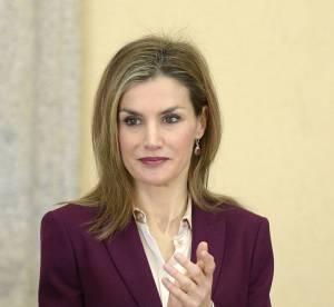 Letizia d'Espagne, reine glamour en tailleur grenat et complice avec Felipe