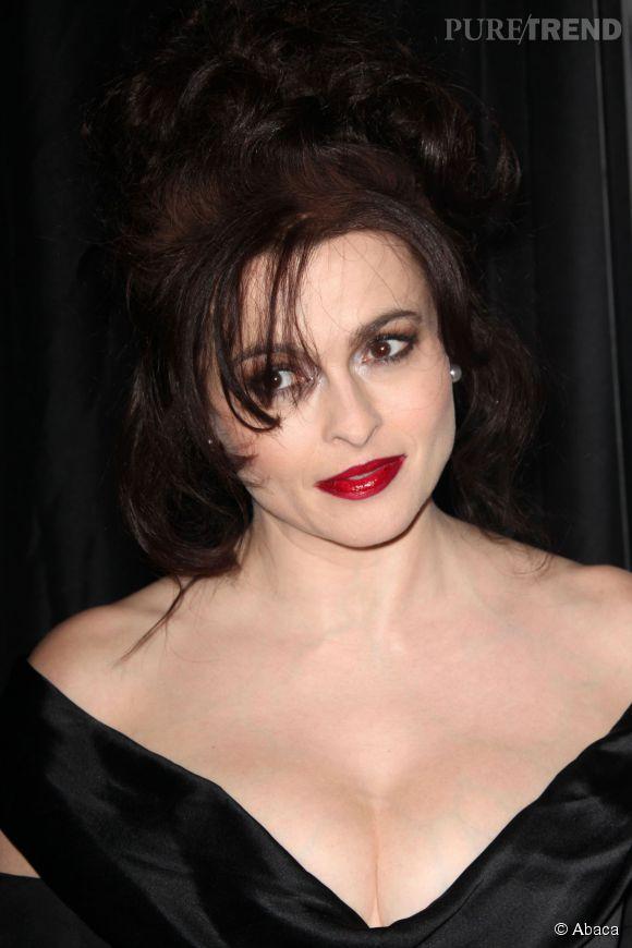 L'actrice s'est laissée convaincre de poser nue avec un thon malgré sa phobie des poissons.