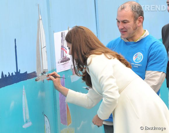 Kate Middleton a ajouté sa touche à une fresque murale à Portsmouth.