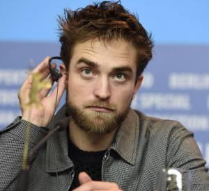 Robert Pattinson, 28 ans, sex-symbol des jeunes filles en fleur... qui a peur que Jamie Dornan lui vole la vedette ?