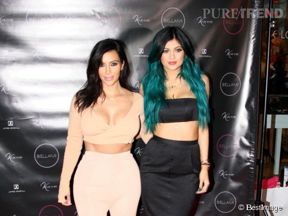Kylie Jenner prend de plus en plus exemple sur sa grande  soeur  Kim K. Surtout niveau nudité.