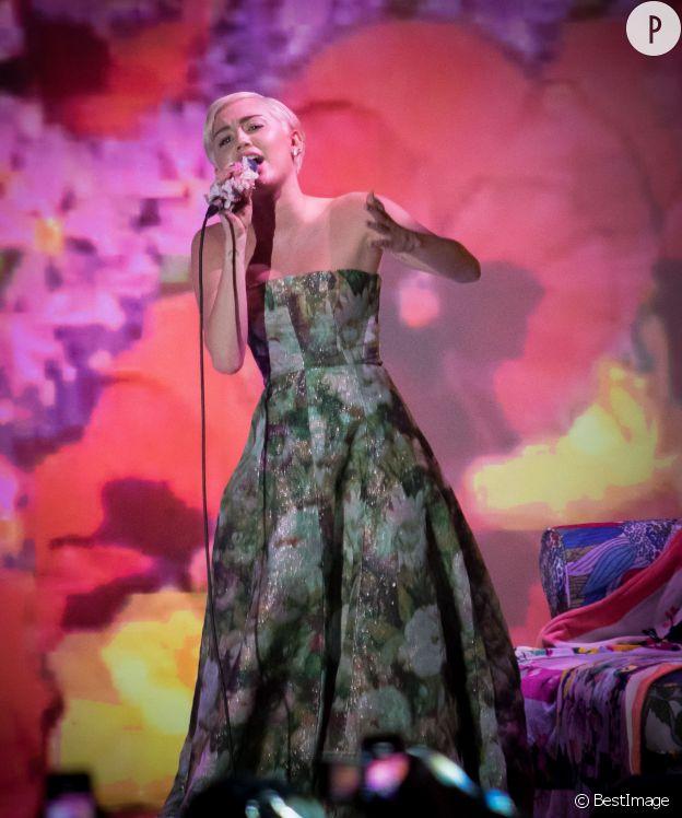 Miley Cyrus aux WMA 2014.