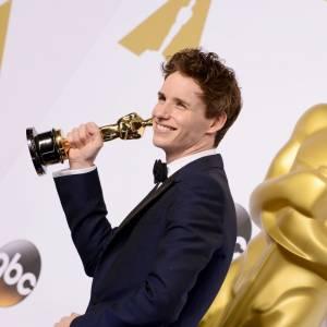 Eddie Redmayne et son Oscar 2015.