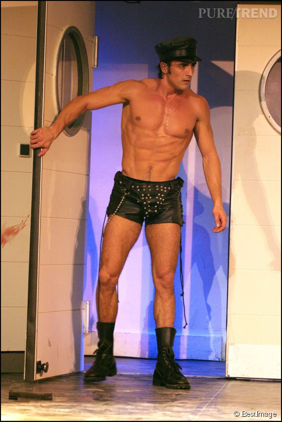 Gregory Basso s'est aussi essayé à la comédie et le moins que l'on puisse dire c 'est qu'il a donné de sa personne! Ici en 2004 au théâtre de Trévise à Paris.
