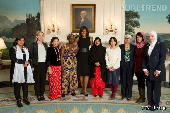Michelle Obama, sublime en petite robe noire à la Maison-Blanche.