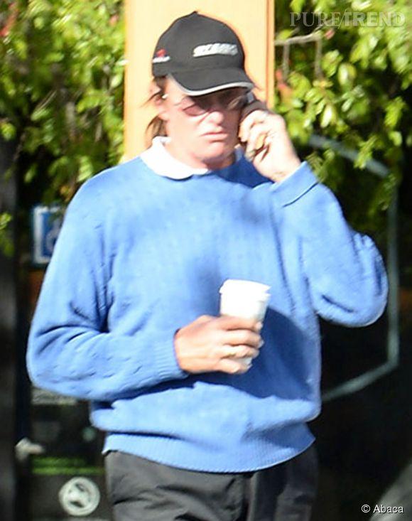 Bruce Jenner continue sa métamorphose.