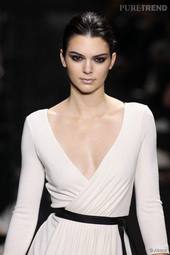 Kendall Jenner : la star de la Fashion Week de Paris livre son secret pour supporter les talons.