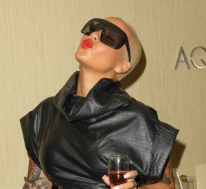 Amber Rose, sieste sexy et pose suggestive...