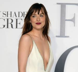 "Dakota Johnson : la star de ""Fifty Shades..."" courtisée par Jake Gyllenhaal"