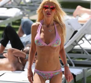 Tara Reid : silhouette décharnée en bikini, blessée par la chirurgie