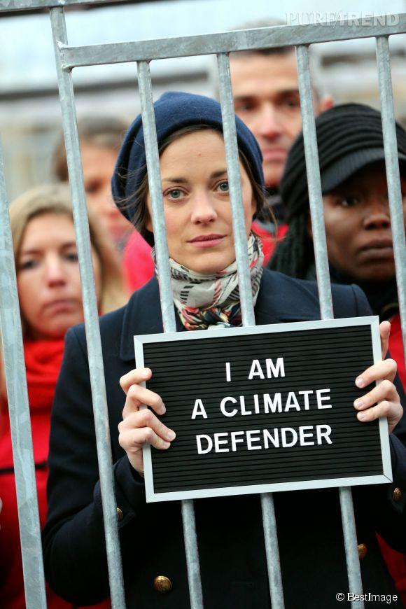 Marion Cotillard est une militante Greenpeace depuis quelques années déjà. Ses actions choc ont déjà beaucoup fait parler.