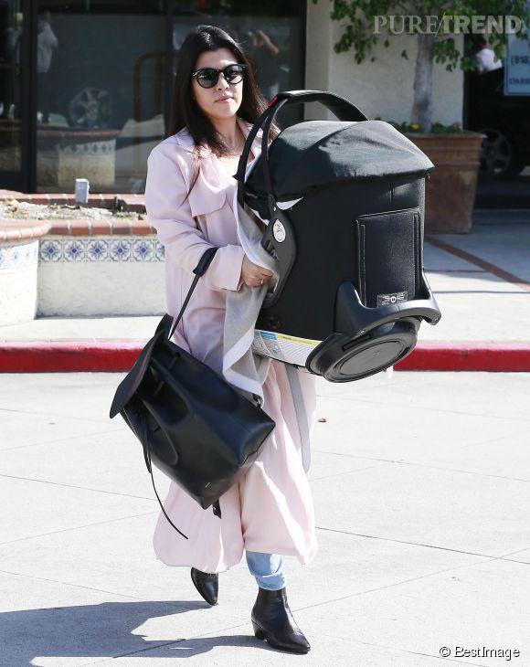 Kourtney Kardashian a pris soin de cacher son fils durant ses premiers mois en le mettant dan un cosy.