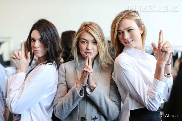 Gigi Hadid entourée de ses deux meilleures amies : Kendall Jenner et Karlie Kloss. Cliché pris dans les backstages du défilé Automne-Hiver 2015/2016 de Michael Kors.