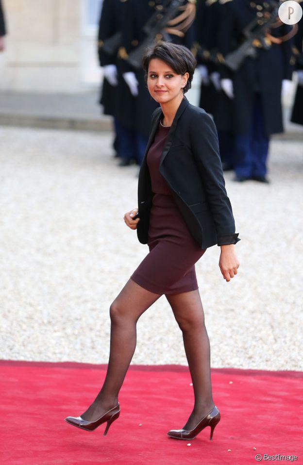 Najat Vallaud-Belkacem ose la petite robe à l'Elysée, pour un dîner donné en l'honneur du président tunisien, le 7 avril 2015.