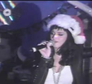 Katy Perry pousse la chansonnette au Dimples.