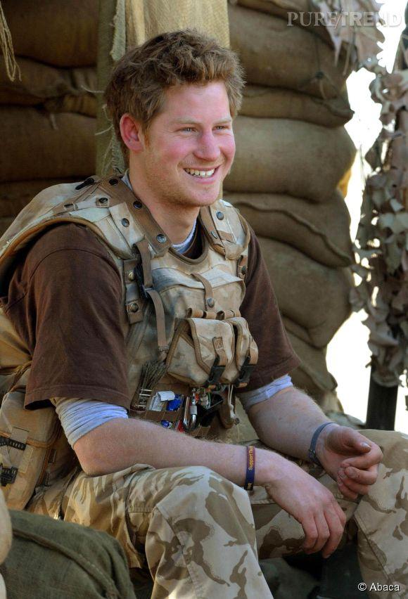 Le beau prince Harry est en mission en Australie. C'est sa dernière en tant que militaire et elle lui fait rater la naissance du deuxième enfant de son frère.