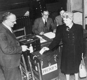Droit de vote des femmes : 8 droits qui leur sont encore interdits