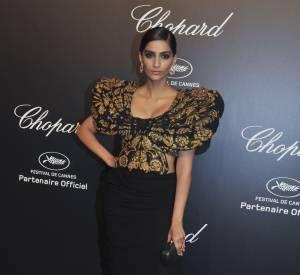 Sonam Kapoor lors de la soirée Gold de Chopard à Cannes le 18 mai 2015.