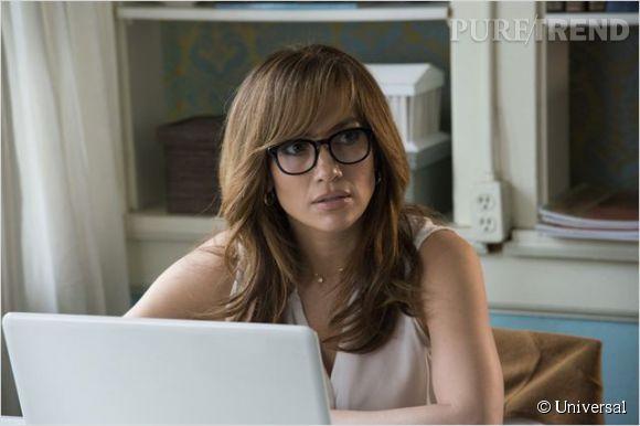 Jennifer Lopez est Claire Peterson, professeur d'anglais, mère d'un ado et femme en instance de divorce.