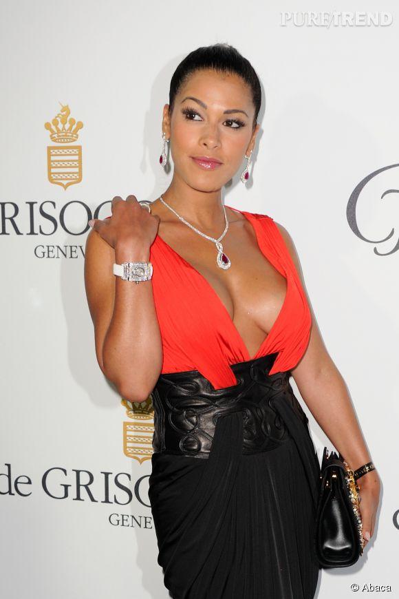Ayem sort le décolleté étourdissant pour la soirée De Grisogono organisée à l'Hôtel Cap Eden-Roc à Cannes.