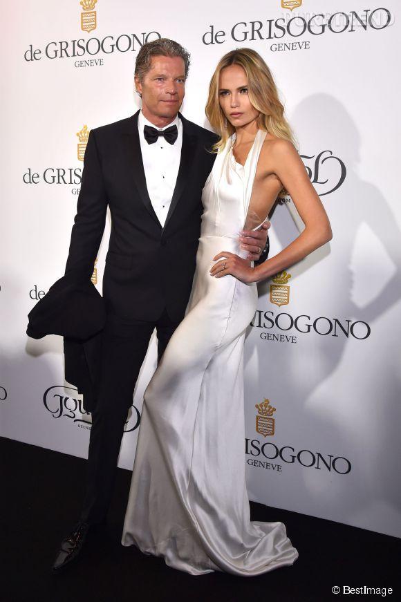 """Natasha Poly en Sophie Theallet et son mari Peter Bakker lors de la soirée """"Divine in Cannes"""" de Grisogono le 19 mai 2015 à Cannes."""