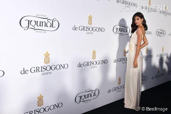"""Sara Sampaio lors de la soirée """"Divine in Cannes"""" de Grisogono le 19 mai 2015 à Cannes."""