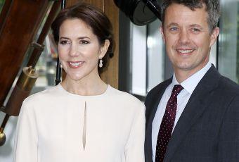 Mary de Danemark : apparition élégante au bras de son beau prince Frederik