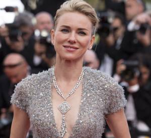 Naomi Watts, décolleté scintillant sur le red carpet