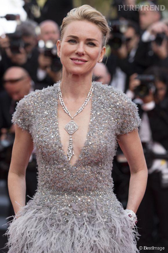 Naomi Watts, décolleté scintillant sur le red carpet