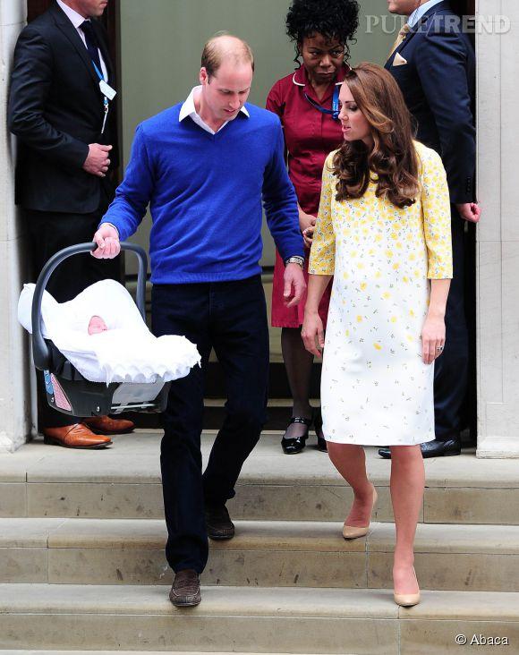 Kate Middleton et le Prince William ont l'air sur le même pied d'égalité. comme ça, mais le chef c'est elle!