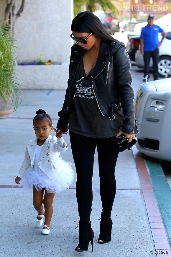Kim Kardashian et sa fille North, de vraies fashionistas.