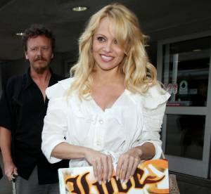 Pamela Anderson : frôle l'accident et l'émeute à LAX