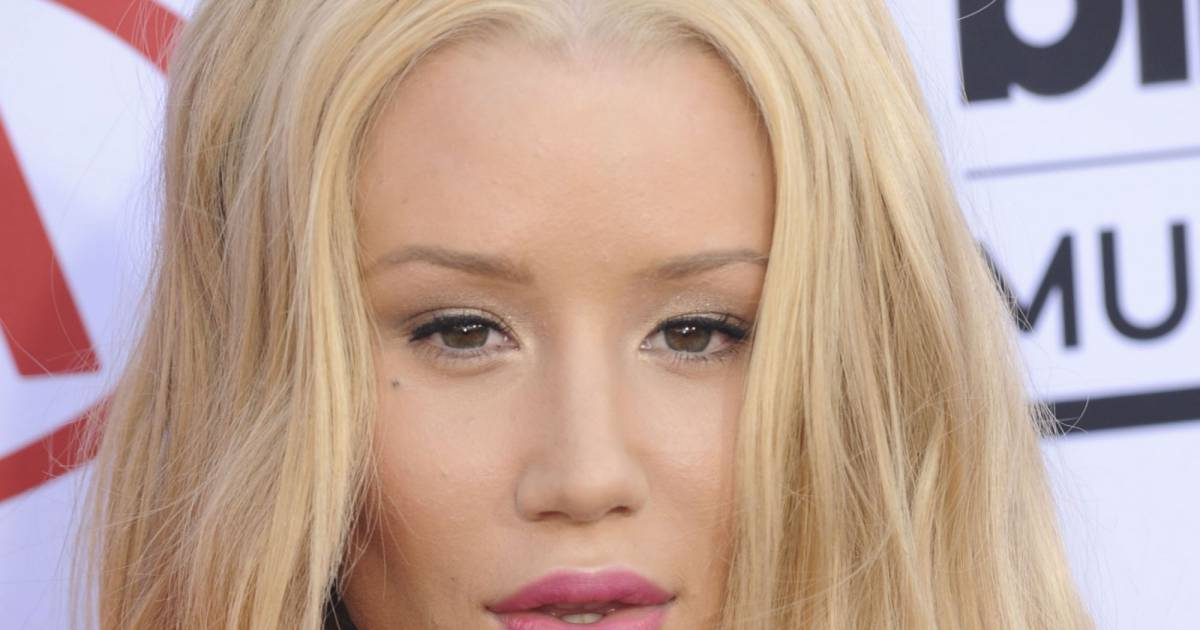 la chanteuse iggy azalea a opt pour des pointes roses. Black Bedroom Furniture Sets. Home Design Ideas