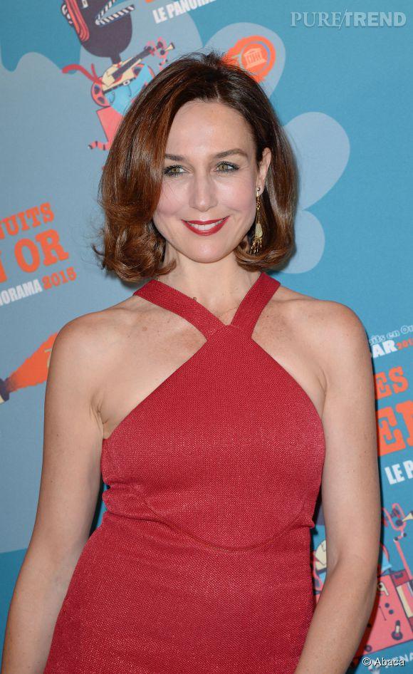Nouvelle apparition au top pour l'actrice qui coordonne même son rouge à lèvres.