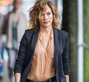 Jennifer Lopez, métamorphosée : femme tourmentée en jean et baskets