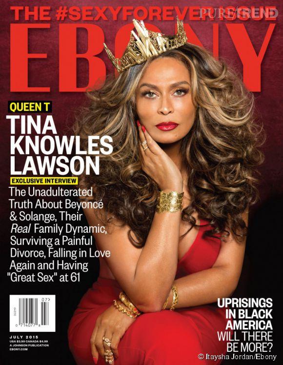 Tina Knowles pose, impériale, en couverture d'Ebony.