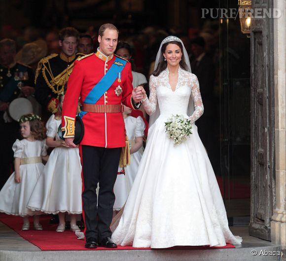 Kate Middleton épouse le prince William, le 29 avril 2011, à l'abbaye de Westminster. Par son mariage, elle devient duchesse de Cambridge. Ils sont aujourd'hui les heureux parents de deux enfants : George, né le 22 juillet 2013 et Charlotte né le 2 mai 2015.