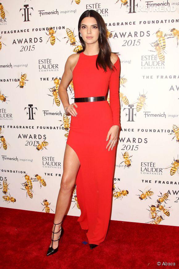Kendall Jenner en Halston Heritage aux The Fragrance Foundation Awards le 18 juin 2015 à New York.
