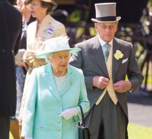 La reine ne manque jamais la célèbre course de chevaux.