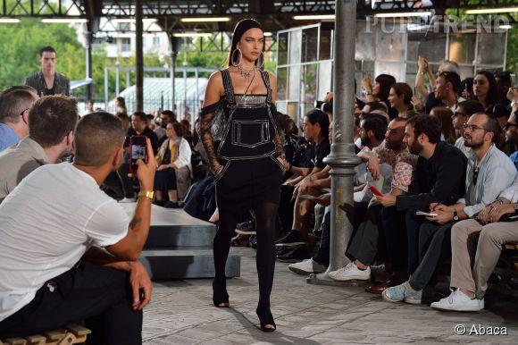 Irina Shayk au défilé Givenchy homme Printemps-Été 2016.