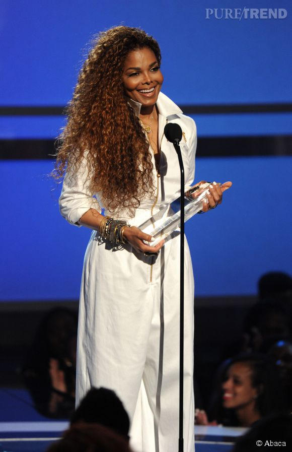Janet Jackson était rayonnante et tout sourire pour récupérer son prix honorifique.