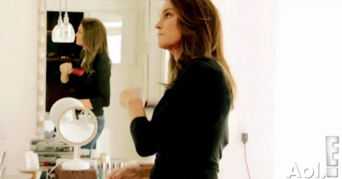 Caitlyn jenner les gens ne comprennent pas ce que c 39 est for Regard dans le miroir