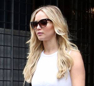 Jennifer Lawrence, canon à New York dans une robe blanche