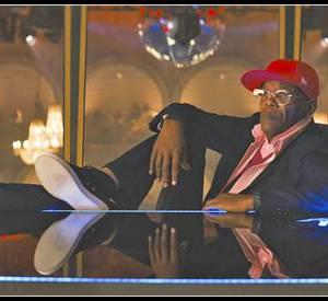 Leur ennemi, le jubilatoire milliardaire Richmond Valentine aka Samuel L. Jackson, un méchant comme on n'en fait plus.