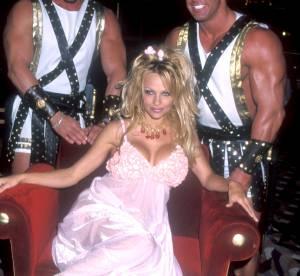 Pamela Anderson fête ses 48 ans : le best of de ses looks les plus trash !