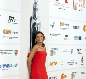 Victoria Abril est une quinqua au top, à 55 ans elle reste d'une rare beauté.