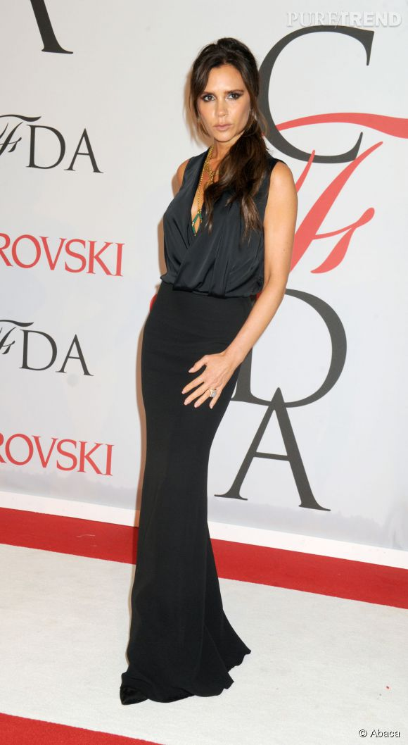 Victoria Beckham pose en une du célèbre magazine Vogue Australia.
