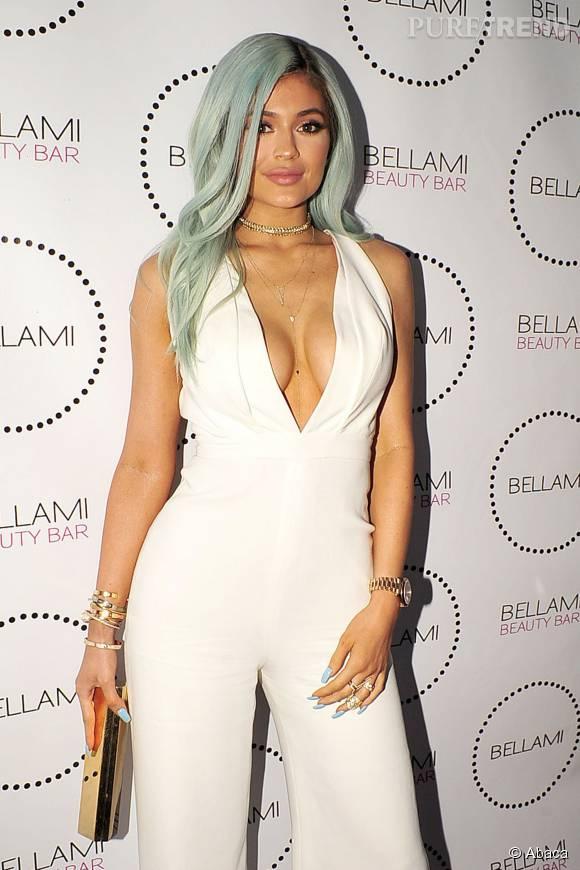 Kylie Jenner l'assure, ses courbes sont naturelles.