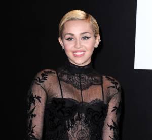 Miley Cyrus : métamorphosée et plus glamour que jamais pour MAC